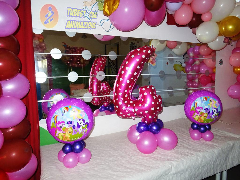 Numero di palloncini e centritavola